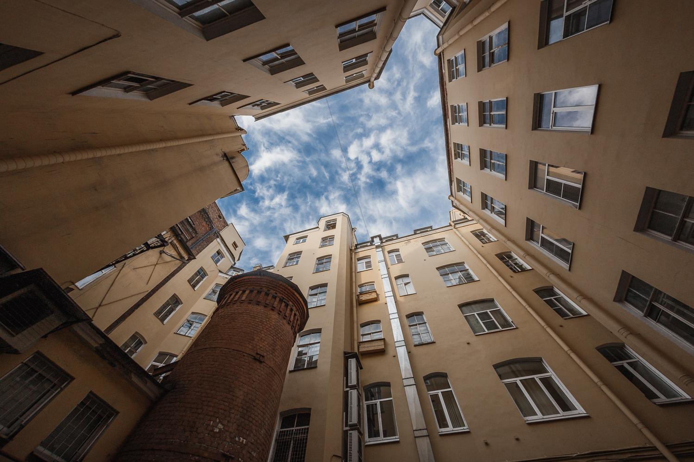 """7-я линия В.О., 16-18 """"Башня грифонов"""" - Санкт-Петербург"""
