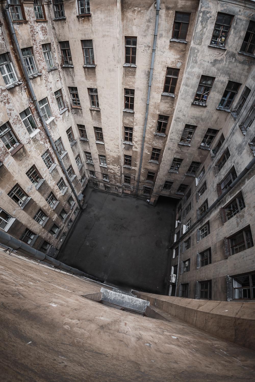 12-я линия В.О., 15 - Санкт-Петербург